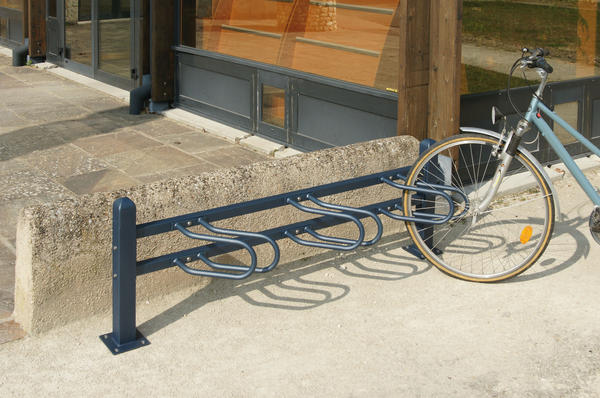 Support cycle mobilier voirie france urba fabricant de mobilier urbain am nagement - Support velo sol ...
